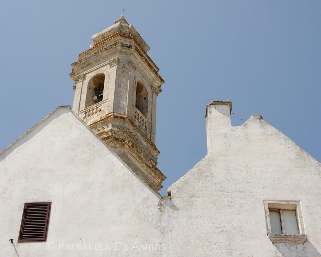 whitewashed homes in locortondo italy